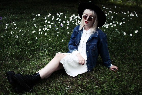 Thelma Malna - H&M Hat, H&M Round Sunglasses, Missguided Dress, Young Hungry Free Denim Jacket, Dr. Martens Jadon Boots - DAISY