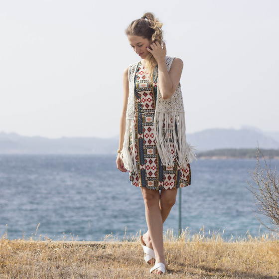 Ina Nuvo - H&M Bohemian Festival Dress, Mango Fringe Vest, H&M Snake Leather Sandals - Bohemian Summer