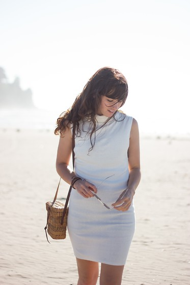 Tonya S. - Finders Keepers The Label Knit Turtleneck Dress, Vintage Straw Bag - Wind Blown