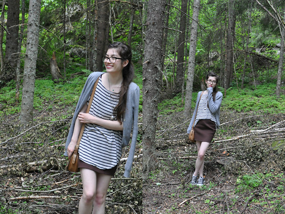 Sunniva - Cathrine Hammel Skirt, H&M Cardigan, Chanel Glasses - Forest walks