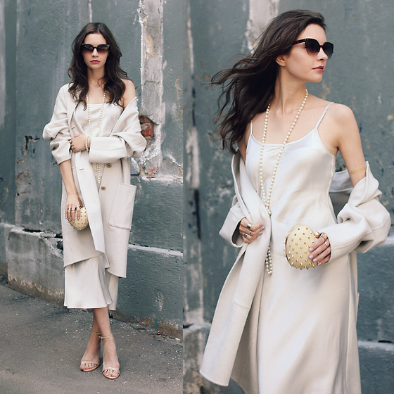 Anna Brain - Marc Cain Dress, Marc Cain Coat, Cndirect Sunglasses, Galisfly Rings, Steve Madden Heels - LIGHT BLUE