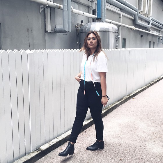 Stephanie Chun - Zara White T Shirt, Bershka High Waisted Jeans, Topshop Booties - Cause I didn't have a necklace