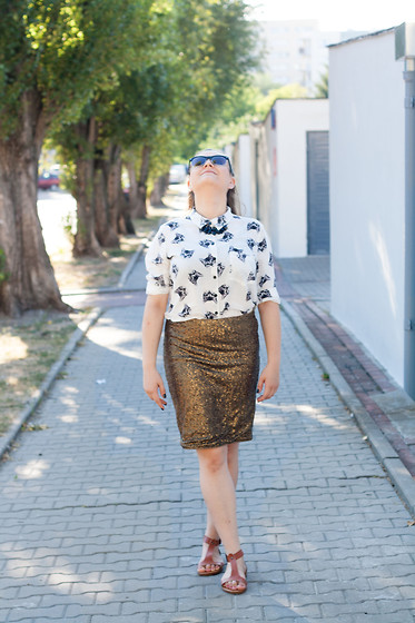 Sunday Bests - New Yorker Cat's Heads, Vintage Gold Skirt, No Name Shoes Beige - Gold is forever