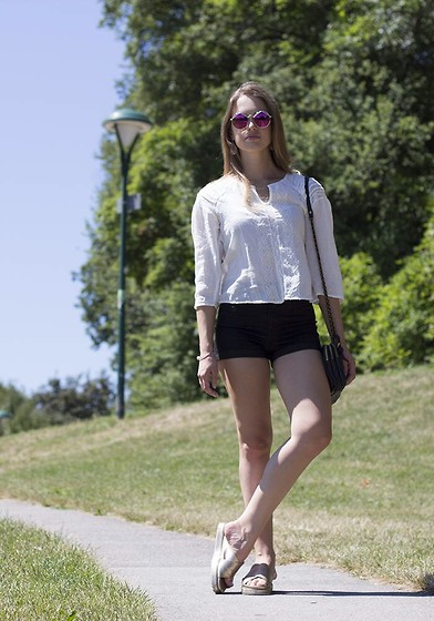 Ina Nuvo - Buffallo Boots Sandals, Zara Shorts, Mango Blouse, Liebeskind Bag, Le Specs Sunnies, Zara Bracelet - Wild Child