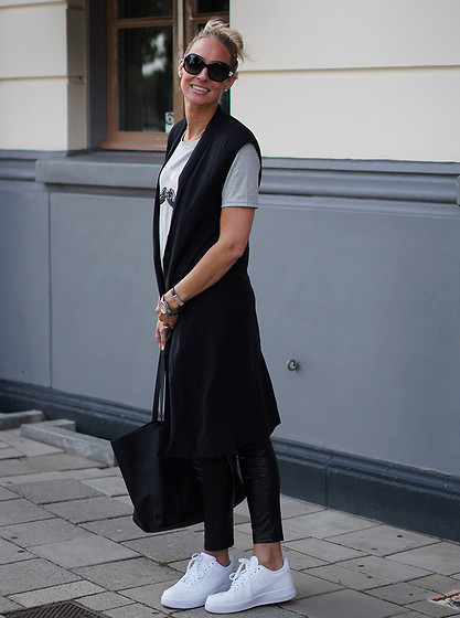 Chris - Selected Femme Long Waistcoat, Sheinside Top, Mango Bag, Nike Air Force 1 Sneakers - Sleeveless blazer