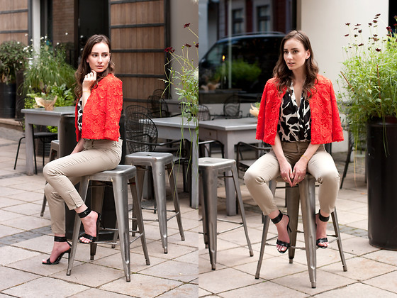 Anna Puzova - Asos Jacket, Asos Top, Esprit Pants, Bakers Sandals, H&M Rings - Gracey Flow