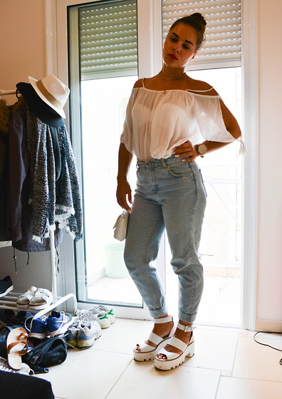 Isabella M. - Pull & Bear Blouse, Pull & Bear Mom Jeans, Windsor Smith Platform Sandals - Don't Wanna Go Home