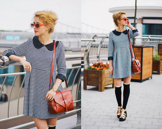Anna Pogribnyak - Dressin Dress, Wholesalebuying Socks, Newdress Bag, Vagabond Sandals, Accessorize Sunnies - 50's and messy hair