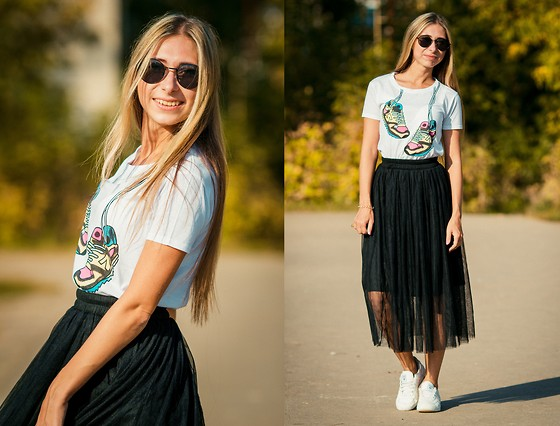 Anna Sever - Cndirect Shirt, Cndirect Skirt - Sneakers