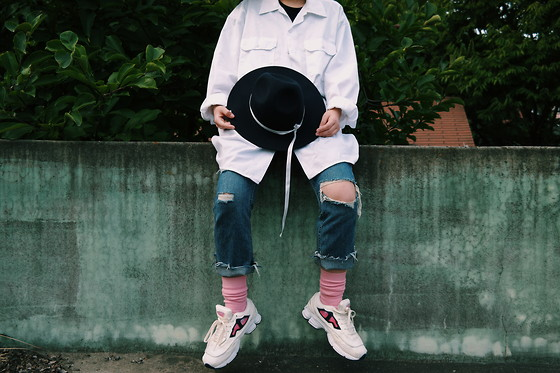 Mushroooooom H - Dickies White Shirts, Thisisneverthat Fedora, Raf Simons Ozweego - NEW