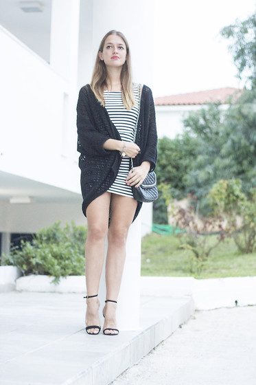 Ina Nuvo - Mango Knitwear Cardigan, H&M Striped Summerdress, Asos Sandals, Mango Bag - An evening on Zakynthos