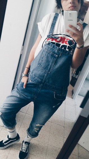 Ines - Vans Originals, Vans Socks, Levi's Levis Overalls, Casio Watch Retro, Vs Vision Street Shirt - Vans - overalls