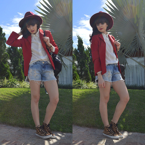Diana Schneider - Pink Vanilla Hat, Gdoky Jeans Denim Shorts, Converse Sneaker - Dog Days Are Over