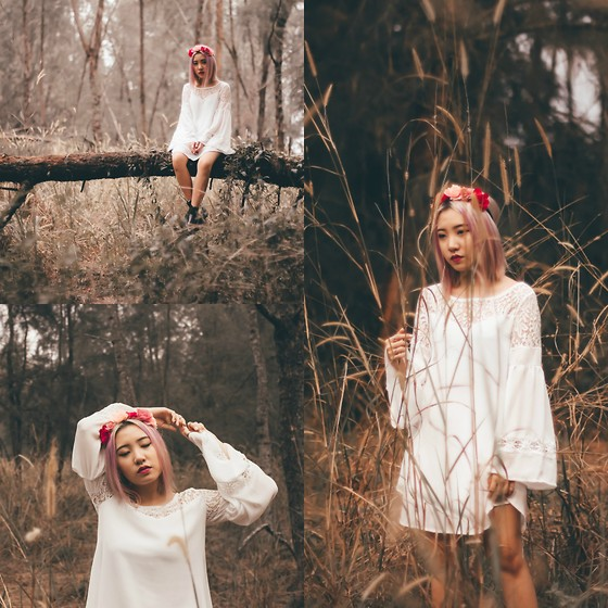 Sebelle Sharmine - Dealsale White Bell Sleeved Dress, Factorie Flower Headband, Solestruck Black Chelsea Boots - In Your Woods
