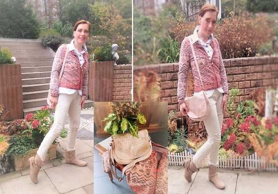 Nessy Wagner - Mandarin Biker Pants, Object Blazer, Colours Ot The World Blouse - Nude is always an option...