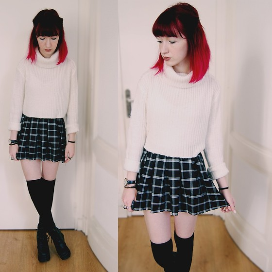 Lea B. - H&M Sweater, New Look Skirt - Roll neck and tartan.