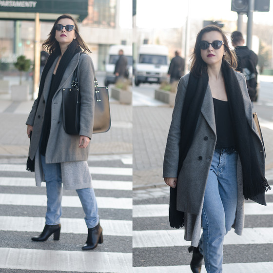 Daria R. - Sheinside Mom Jeans, Sheinside Grey Long Cardigan, Dressin Lace Bottom Top - MOM JEANS, LACE TOP, ZARA COAT