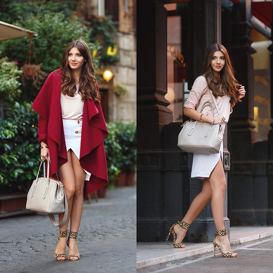 Larisa Costea -  - Italy in burgundy drapes