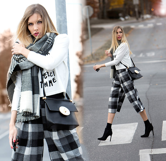 Dora D. - Plaid Wide Leg Culottes, L'amour Sweater, Zara Ancle Boots, Pabia Bag, Inversible Plaid Scarf - The culotte challenge