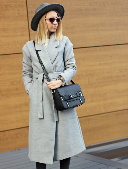 Emilia Błaszczyk - Sheinside Coat, Mango Bag, Reserved Hat - Grey coat