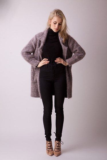 Caro Daur - Lala Berlin Coat, Monki Jeans, Pull & Bear Sweater, Asos Heels - Studio