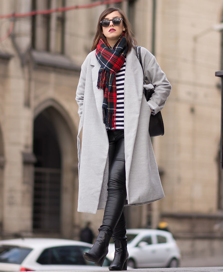 Daria R. - Sheinside Long Grey Coat, Sheinside Long Grey Cardigan, Sheinside Leather Jeans - Long gray coat, striped t-shirt, tartan scarf