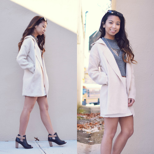 Melanie P. - Dressin Coat Jacket, Lucluc Crop Top, Clarks Ankle Boots - Crop Tops in the Winter