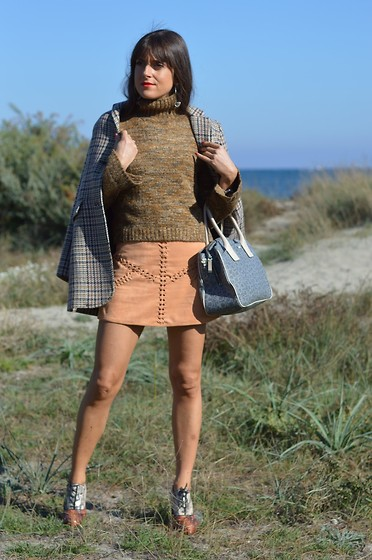 Jeanne -  - The Winter Version of my Suede Miniskirt