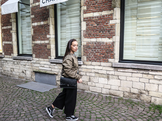 Barbara Baccaert - Subdued Bomber Jacket, Vans Sneakers, Cos Trousers - WWW.FRONTROW21.COM