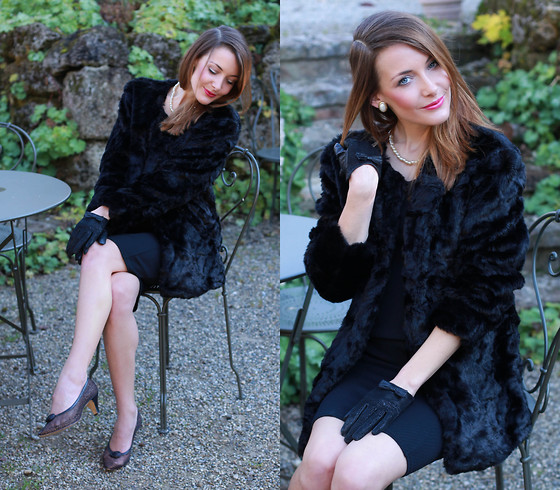 Stefanie - Mango Black Fake Fur, Asos Little Black Dress, Vintage Pumps - Always classy