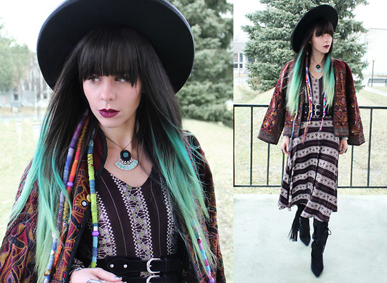 Katia Nikolajew - Rabbit And The Raven Necklace, Lime Crime ''Beet'' Lipstick, Karina Dresses Dress - ''Dress'' to impress...