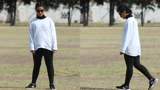 Lucy Yépez - Stradivarius Turtle Neck Sweather, Puma Leggings, Nike Sneakers, Prada Sunglasses, Omaruiz Sweatshirt - Sporty B&W