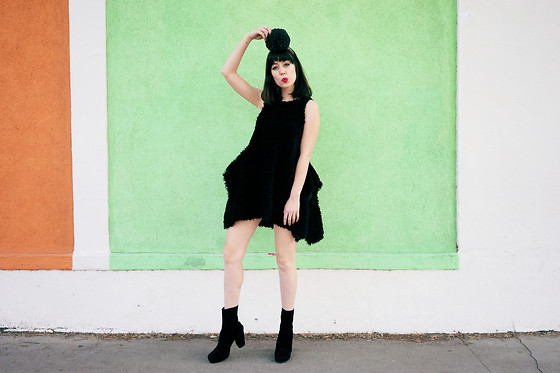 Amy Roiland - Chicflag Dress - WOMP