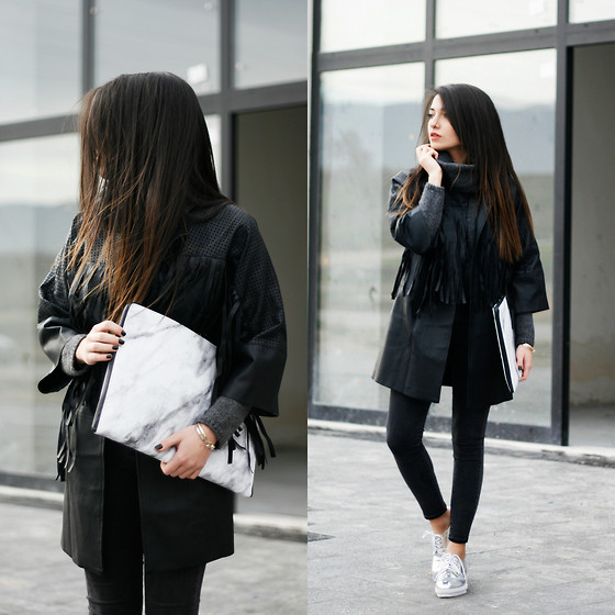 Melike Gül - Snupped Laptop Sleeve, H&M Jeans, Yoins Coat, Romwe Shoes - M A R B L E