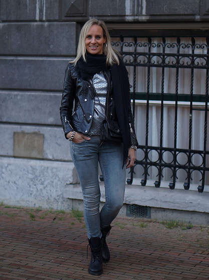 Chris - Shabbies Lace Boots, G Star Raw Skinny Jeans, Vero Moda Metallic Top, Zadig & Voltaire Bag - Sturdy boots