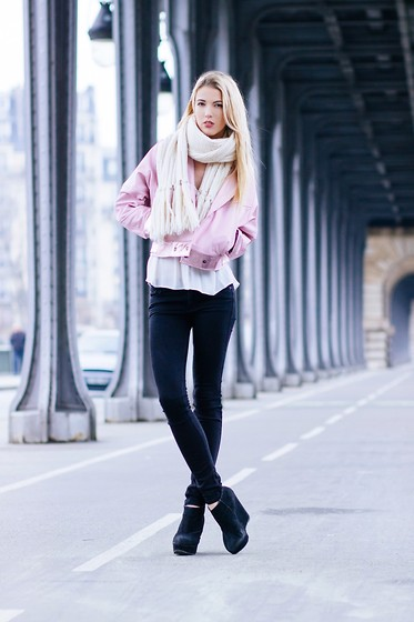 Meryl Denis - Hopy Doppy Jacket, Primark Top, Abercrombie & Fitch Jeans, New Look Shoes, Abercrombie & Fitch Scarf - Ice pink