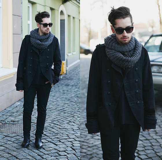 Daro K. - Giant Vintage Sunglasses, H&M Tube Scarf, River Island Coat, Zara Sweater - Everyday