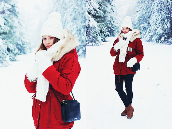 Marta S. - Sheinside Red Parka, Bonprix Black Small Bag, Emu Australia Brown Boots - Winter forest