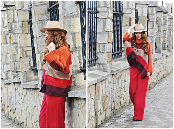 Daniela Macsim - Local Store Sweater - Comfy look