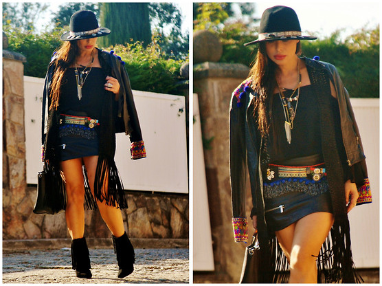 Nekane Smith - Zara Poncho, Bero Arekipa Belt, Bero Arekipa Jacket - My Way