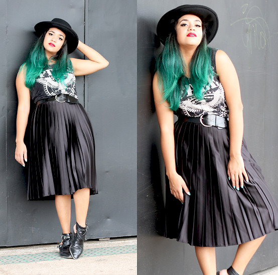 Mairanny Batista - Forever 21 Black Hat, Zara Black Pleated Skirt - Retro-Rock Influence With Black Pleated Skirt