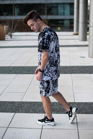 Cedric Gosha Rubchinskiy Jogpants, Nike Cortez Shark Low