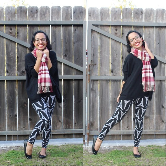 Anna L. - Old Navy Batwing Sweater, Forever 21 Eiffel Tower Print Leggings - Cozy Mix