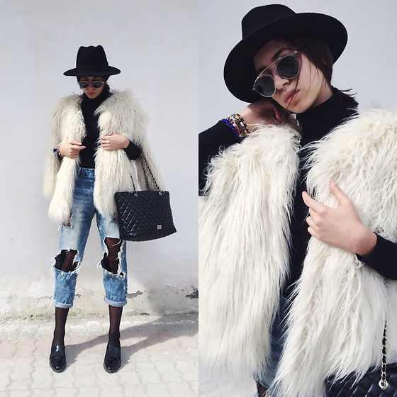 Fransi - Moschino Bag, H&M Fur, H&M Hat, Christian Dior Sunglasses, Zara Shoes, Bershka Jeans - B&W