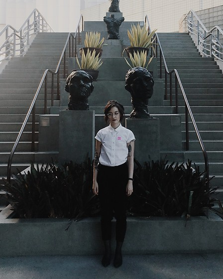 Kiana Mc - American Apparel Shirt, Everlane Pants, Everlane Pointed Loafers - LACMA