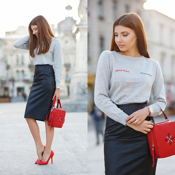 Larisa Costea - Chicwish Sweater - Busy Wednesday