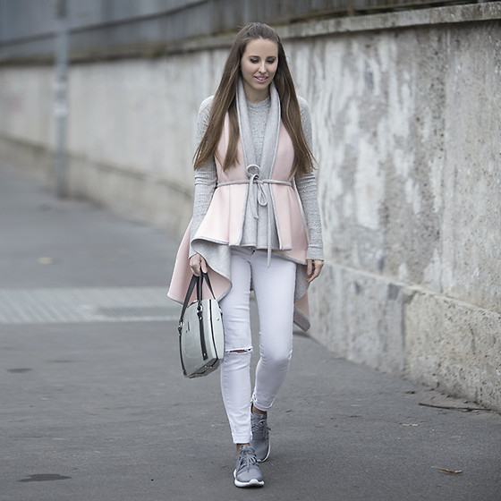 Festy In Style - Cakó Vest, Stradivarius Sweater, Zara Pants, Alma Abonyi Bag, Adidas Tubular Shoes - Fifth look of Milan Fashion Week