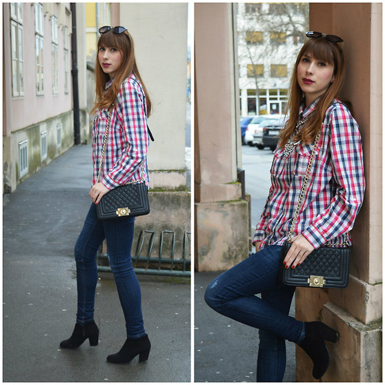 Monika Tremski - Second Hand Shop Shirt, Dresslink Necklace, Kik Jeans, Pull & Bear Boots, Persunmall Bag - Plaid shirt and massive necklace