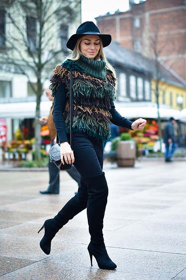 Sonja Kovac - Miss Sixty Sweater, Zara Bag, Le Silla Over The Knee Boots, Zara Skinny Jeans, H&M Hat - WARM RUG SWEATER