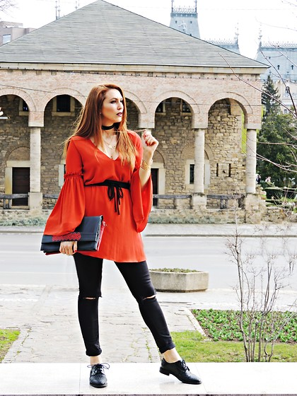 Daniela Macsim - Zara Dress, H&M Ripped Jeans, Zara Oxfords, Iutta Bag -  Ethnic meets Rock-Chic